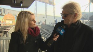 Tom Cochrane speaks with Shannon Cuciz at the Heritage Classic